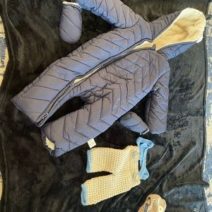 Bundle of baby clothes/shoes and carrier